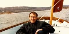 rrr_sailboat_in_winter_orig-240x120